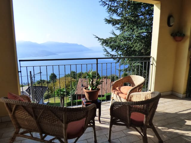 Wonderful house with views of Lake Maggiore