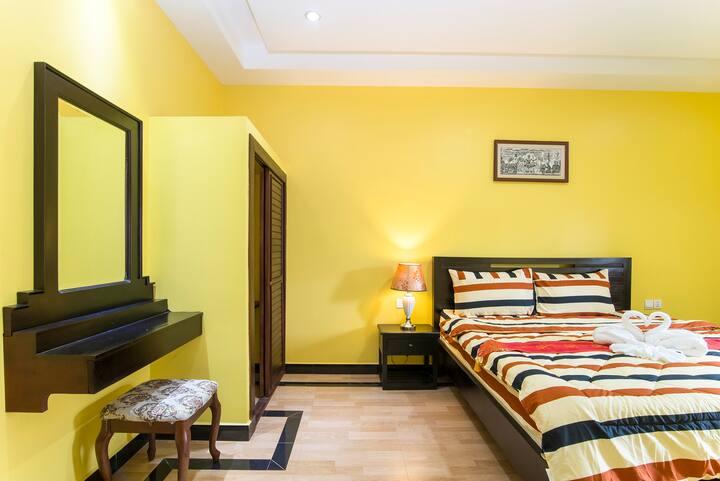 Two Bedrooms Apartment, Balcony, Livingroom, Wifi