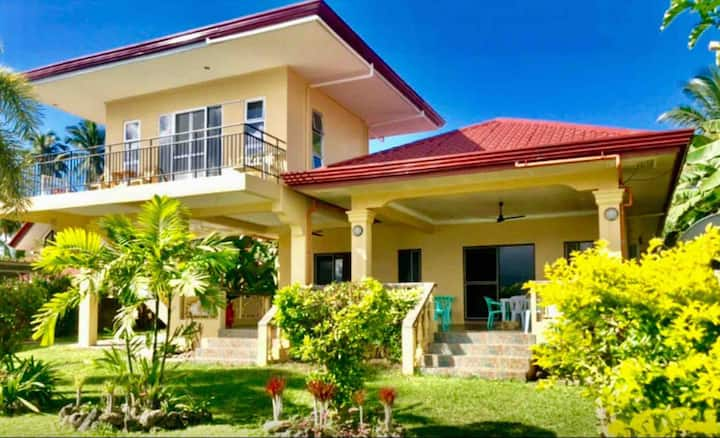 Beachside studio 2nd floor of house on Sogod bay!!
