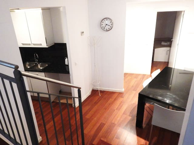 Apartment for 6 people | Old Girona parking and free wifi