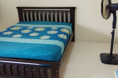 Kulai homestay master room with private bathroom