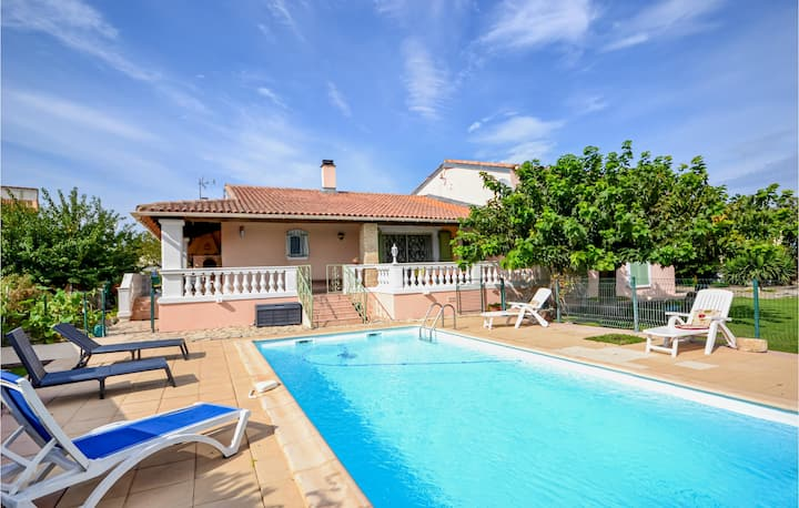 Amazing home in Uchaud with WiFi and 4 Bedrooms