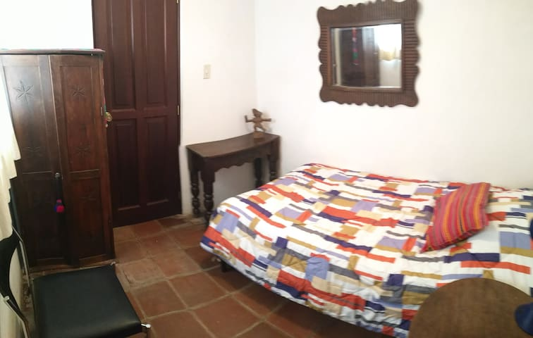 Casa Santa Clara - Room #R4 w/Private Bathroom