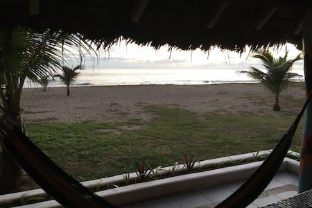 Playa del Aguila Camping - Las Peñas - Barraca