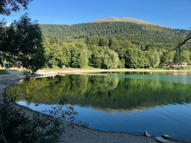 Chambre au calme entre lacs et montagne