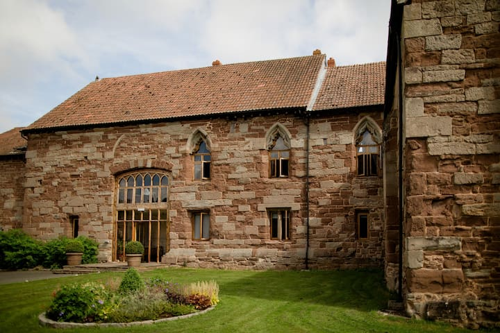 14th c. Beautiful Conversion in the Wye Valley