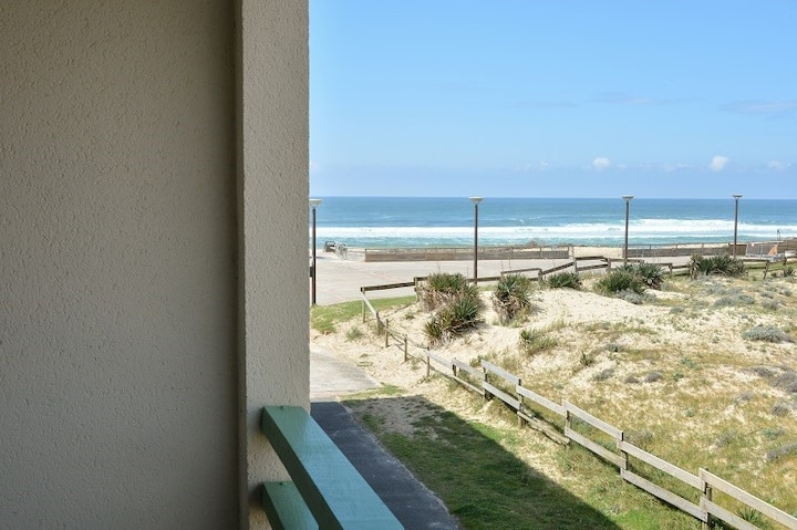 Apartment 2/3 people, 50 m from the beaches with lateral view on the ocean
