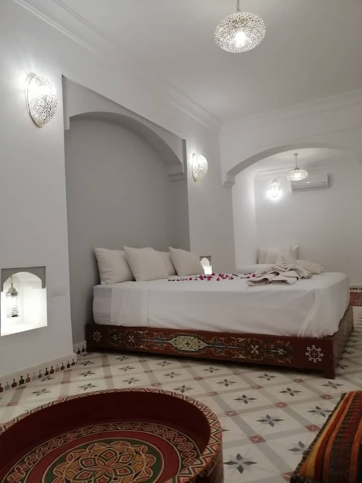 Deluxe King Suite Riad Hamid.