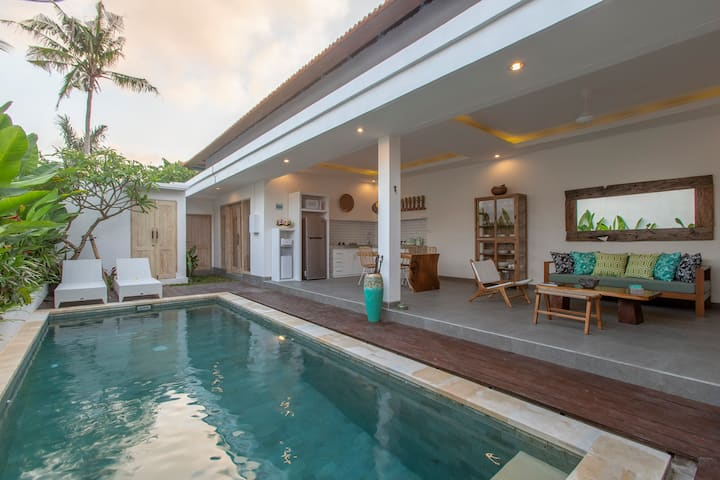Lovely Homey Villa Arif in Seminyak