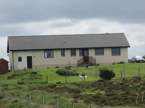 The Bothy at Ishie`s, Carinish, North Uist