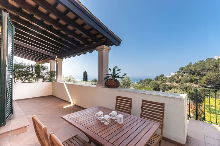 LUXURY HOUSE in CALA LLEVADO 3