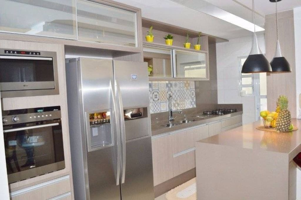 Geladeira abastecida para você após uma longa viagem :) The fridge is filled up for you after a long trip :)