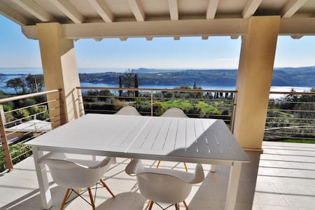 Lake Garda View Apartment with pool