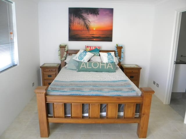 Aloha Sunset Apartment
