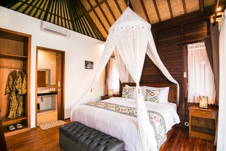 Homey villa in Lembongan with Mt. Agung view