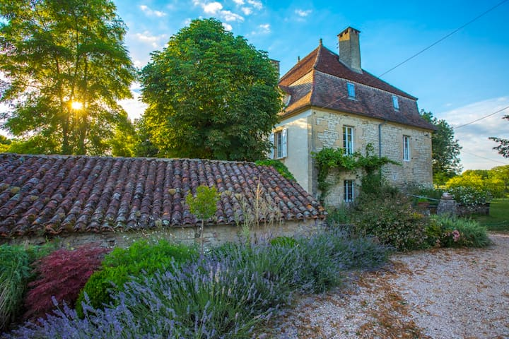 Renovated Farmhouse near Figeac