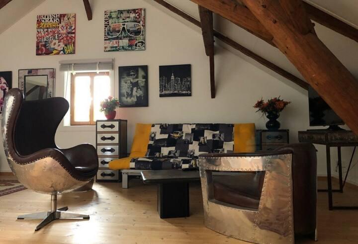 Das Parkhaus (Bad Birnbach), Ferienhaus mit Studio, Südterrasse & Grillmöglichkeit
