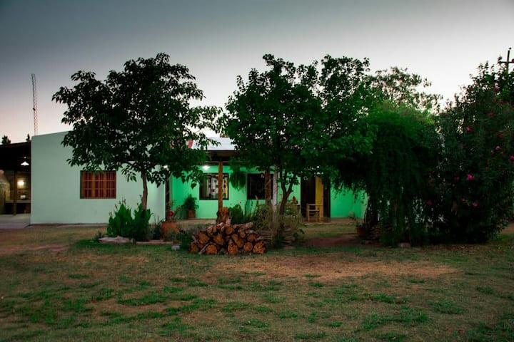 """""""Paso Camargo"""" Casa de Campo, cercana a la ciudad"""