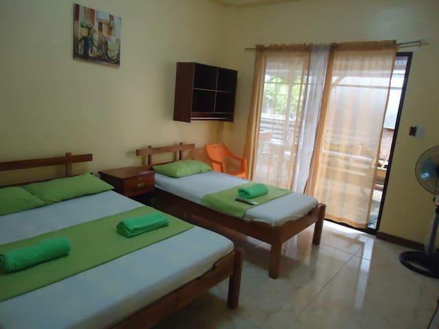 Private Room near White Island - Mambajao - Inap sarapan