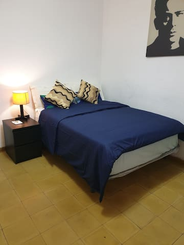 Nice room in a sharing flat in Barcelona centre
