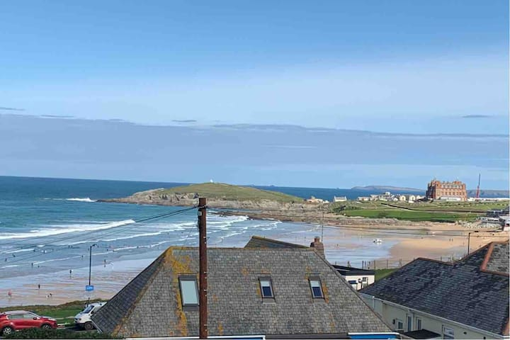Luxury apartment with views over Fistral Beach