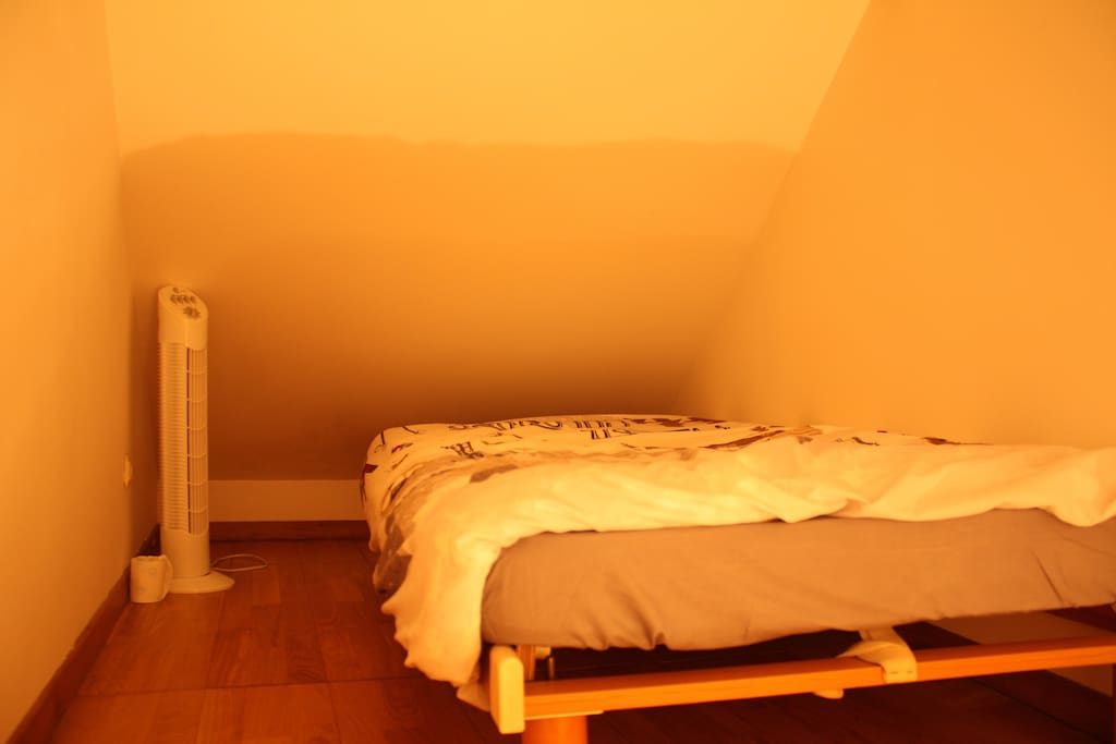 single bed upstairs