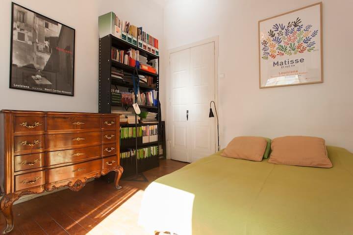RO6_B_Private room Lisboa center