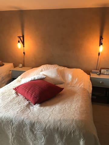 Main bedroom,bed 1,50+200 cm
