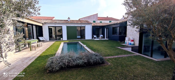 Villa Clerjotte - 240m²  of charm with pool