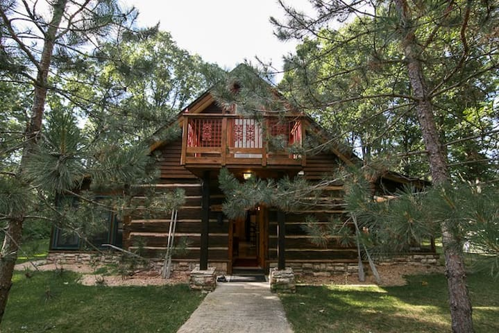 Historic Log Lake Home - Nisswa - Ház