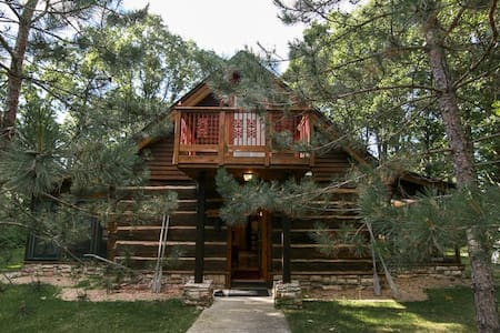Historic Log Lake Home - Nisswa - Casa