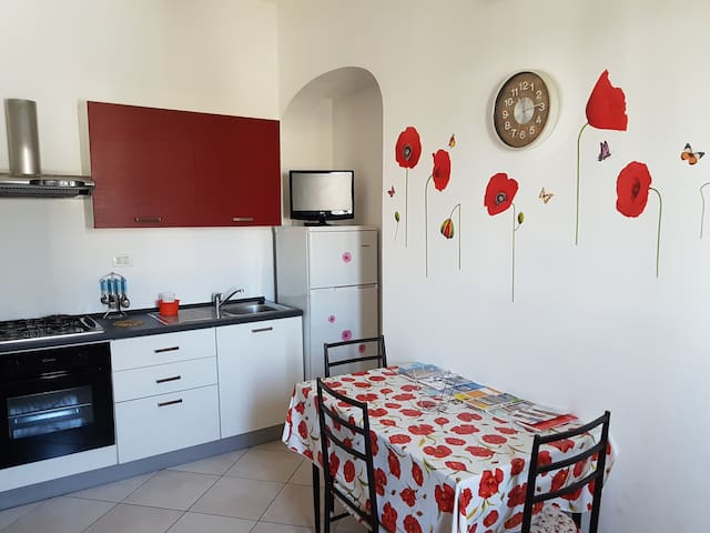 "Appartment ""LA BAIA"" ...near the sea... - Maruggio - Pis"
