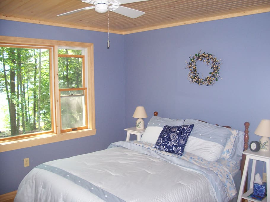 Blue Bedroom overlooking Lake