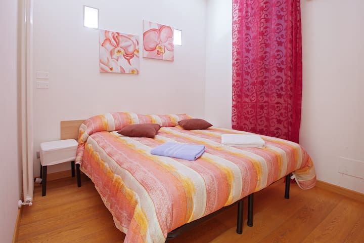 Double Room with Private Bathroom in the old town