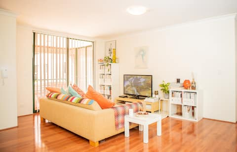 Spacious Airy Apartment- bedroom 2