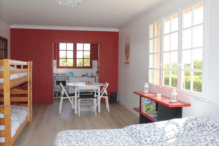 Beau studio rénové à 5 min du Puy du Fou