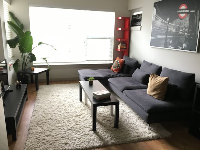 Modern & Cozy 1 Bedroom Apartment in Prime locale - Portland - Apartment