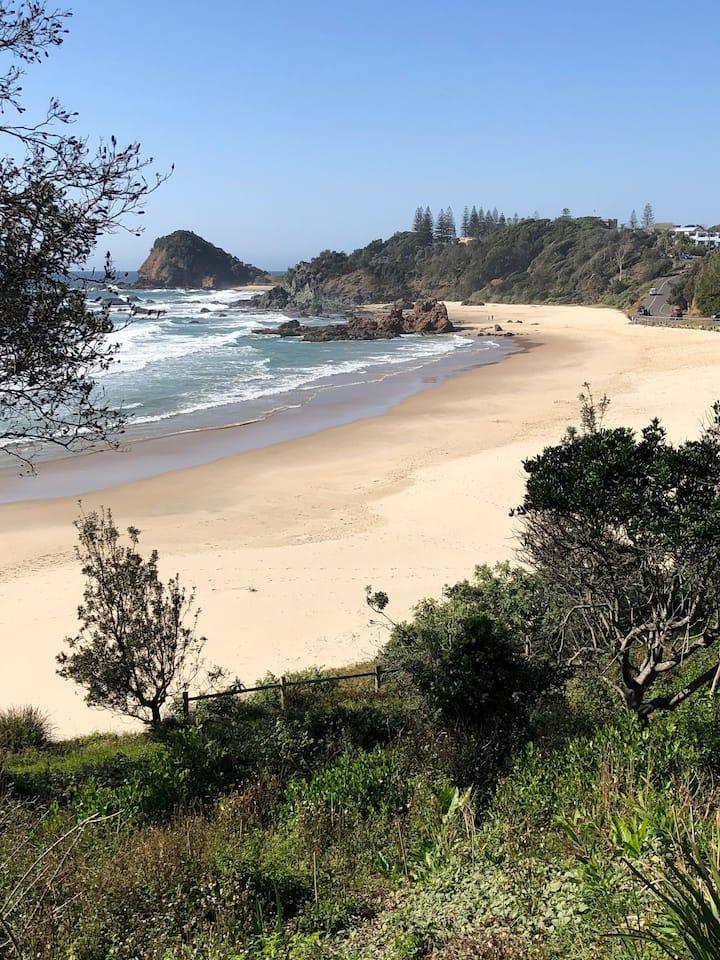 Fi's Relaxing Beach House opposite dog beach