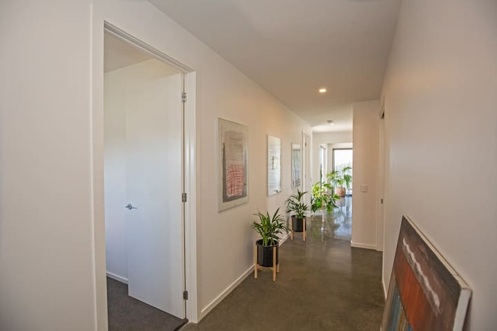 Guests entry and access to bedrooms, living, bathroom