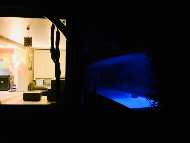 CARPEDIEM3 étage d'hotes, piscine couverte, pt déj