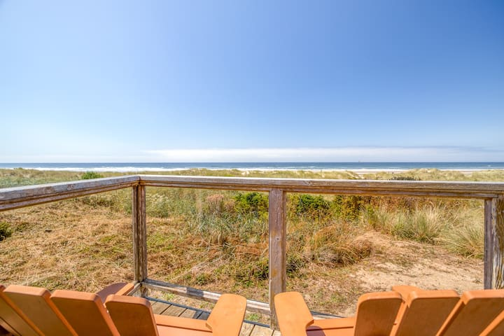 Cozy Oceanfront Home with Wrap Around Windows!  Beach access on the property!