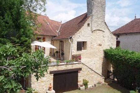 Jeanne's house - Lavercantière - 独立屋