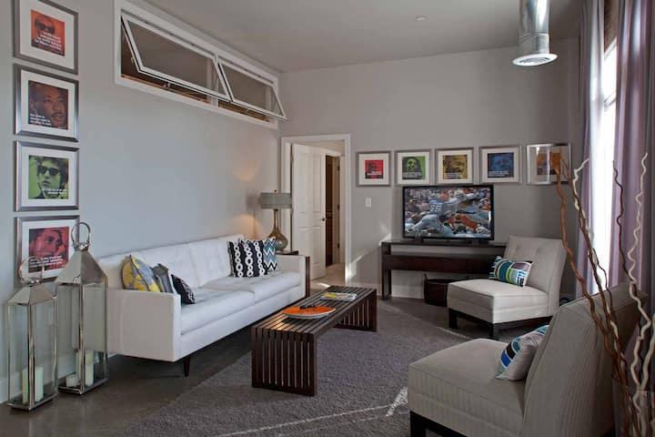 Luxury 1 Bedroom Near University of Notre Dame