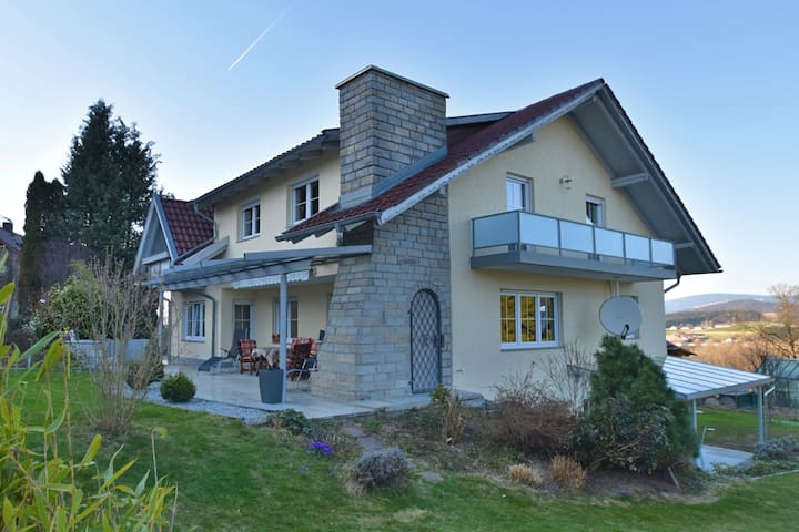 Modern and large apartment with balcony in the Bavarian Forest