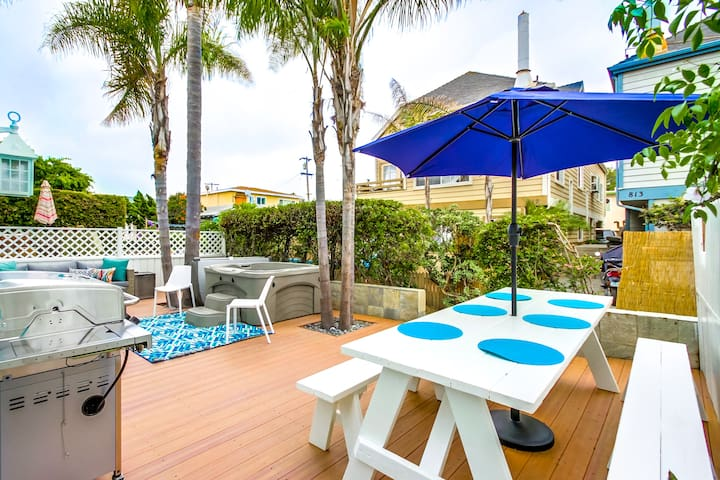 Resort Like Private Patio With Hot Tub & BBQ