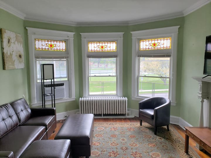 New! 3 Bedroom Apt Central Albany| Take a look at