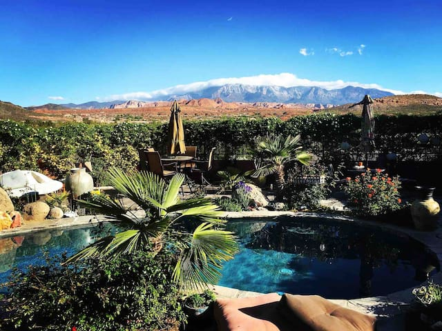 Desert Oasis in Zion w/ Private Pool & Hot Tub