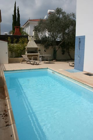 Spacious beach-side villa with private pool - Paralimni - Semesterboende