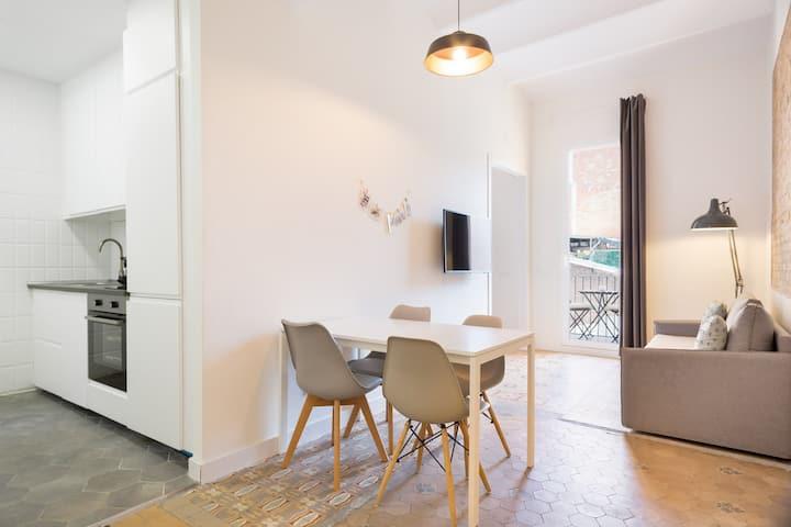 Olala Design Apartment 1.1 | 10m Pl.España