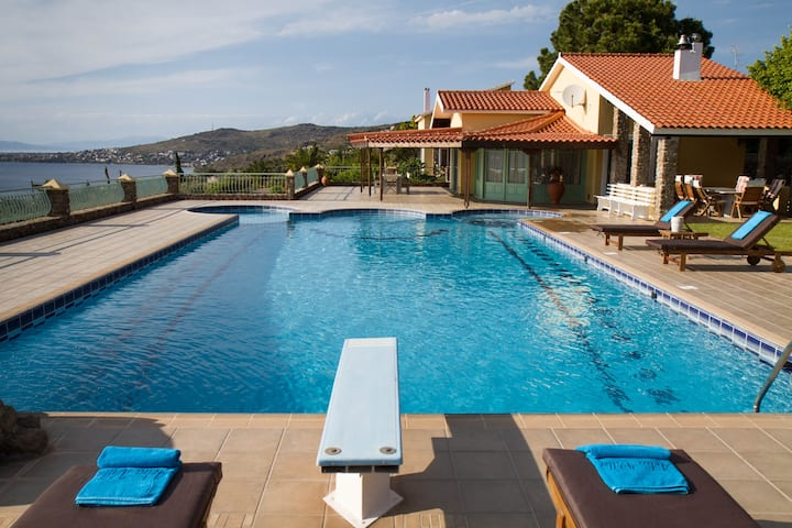 Aelia Villa, with Amazing View & Huge Private Pool